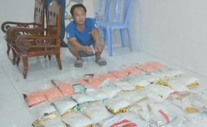 Tài xế ôtô bị bắt cùng 45 kg ma túy đá