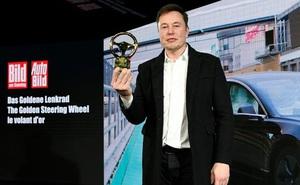 Hệ thống tự lái của xe Tesla đang được hoàn thiện bằng trí tuệ nhân tạo, sẽ là 'bước nhảy vọt lượng tử' của ngành ô tô