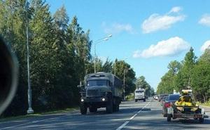 """Xuất hiện nhiều tin đồn về đoàn xe quân sự, lính Nga """"đổ dồn"""" về biên giới Belarus: Moskva lên tiếng"""