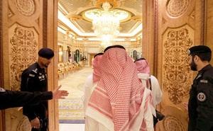 Có gì bên trong nội bộ hoàng gia giàu nhất thế giới: Thái tử được 'dọn đường' để lên ngôi và những cơn sóng ngầm khi tranh giành ngai vàng