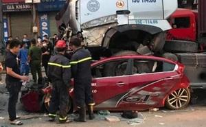 Hiện trường vụ container đè nát bét xe con khiến 3 người tử vong ở Hà Nội