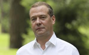 """Vụ 33 """"lính đánh thuê"""" Nga bị bắt ở Minsk: Nga-Belarus lời qua tiếng lại, ông Medvedev cảnh cáo gắt"""