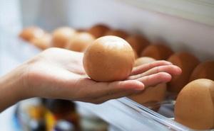 Trứng rất bổ nhưng chúng lại dễ bị hỏng chỉ vì một thói quen mà nhiều người thường làm trước khi cất vào tủ lạnh