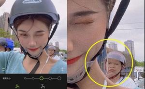 Cô gái khoe ảnh chụp mặt V-line xinh xắn nhưng người phụ nữ đằng sau vô tình tố cáo sự thật