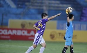 TRỰC TIẾP Viettel 1-1 Hà Nội: Thành Chung đánh ngực, Thái Quý nã đại bác làm bầu Hiển phải bật dậy vỗ tay