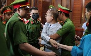 Hình ảnh, tình tiết đáng chú ý ở phiên tòa xét xử ông Nguyễn Thành Tài và bà chủ Hoa Tháng Năm