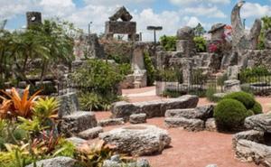 """Lâu đài San hô – kiến trúc bí ẩn tưởng nhớ """"tình yêu thất lạc"""""""