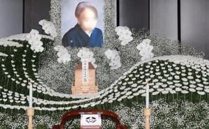 Người Nhật tiễn người đã khuất bằng hoa tươi theo cách cực kỳ lộng lẫy, công ty hoa tang lễ thu hơn tiền tỷ mỗi năm