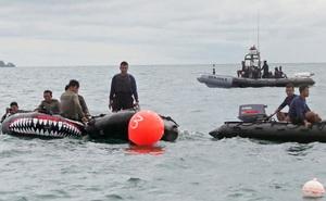 Tìm thấy hộp đen máy bay Indonesia rơi xuống biển