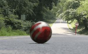 Vì sao quả bóng có thể tự lăn từ chân dốc lên đỉnh dốc tại các ngọn đồi phản trọng lực?