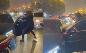 """Chặn đầu xe Mercedes trên phố Hà Nội, người phụ nữ quát lớn: """"Đồ cướp chồng của bạn"""""""