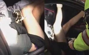 Gái lạ diện nội y lẻn vào xe, chủ xe có cách xử lý gây bất ngờ