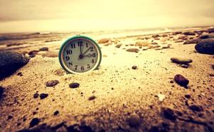 Đặt 2 đồng hồ ở đỉnh núi cao và bãi biển thấp: Kết quả khiến nhà khoa học phải ngạc nhiên