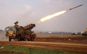 """Cho quân Syria """"xả hết đạn"""", Thổ Nhĩ Kỳ dồn hỏa lực """"đáp trả gấp 10""""?"""