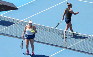 10 ca nhiễm Covid-19 liên quan đến giải quần vợt Australian Open 2021