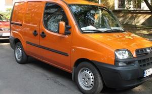 Trộm ô tô trước bệnh viện, kẻ trộm bàng hoàng khi biết chủ xe và vội vàng để lại lời nhắn trong xe