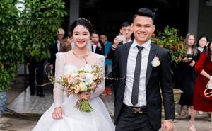 Vợ Xuân Mạnh khoe nhan sắc rạng ngời trong ngày cưới