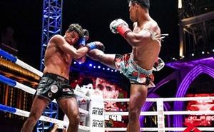 """Võ sĩ Muay Thái có cú đá """"chết người"""" và trận tỷ thí khiến cao thủ Thiếu Lâm phải xin thua"""