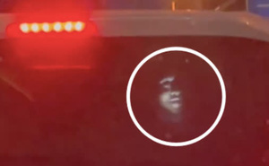 Ám ảnh gương mặt trắng toát xuất hiện đằng sau xe ô tô giữa đêm, mục đích của việc làm bị dân mạng lên án