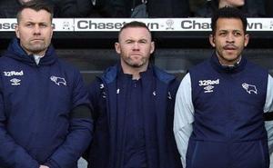 """CLB của Rooney """"gom"""" vội đội hình trẻ đá FA Cup"""