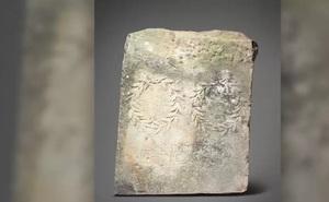 Nhặt đá kê chuồng ngựa, 20 năm sau mới biết lá báu vật
