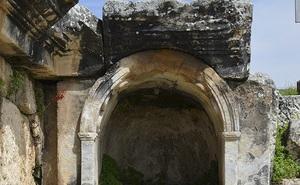 """Bí ẩn """"cổng địa ngục"""" 2000 năm tuổi ở Thổ Nhĩ Kỳ và lời nguyền mọi sinh vật đi qua đều bỏ mạng"""