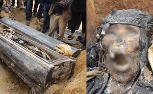 Bật nắp quan tài cổ: Dân làng thất kinh khi nhìn vào 'nét mặt' rùng rợn của người đã khuất