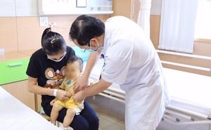 Bé 10 tháng tuổi đã xơ gan, u nang ống mật