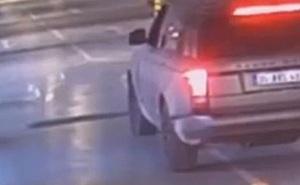 Bé trai 8 tuổi chết dưới gầm xe dì ruột, quyết định của cảnh sát khiến người cha không phục