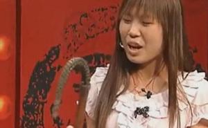Cô gái đi thẩm định chiếc roi ngựa của Thành Cát Tư Hãn, tự định giá 17 tỷ đồng - Chuyên gia nghi ngờ: Có điểm này rất sai!