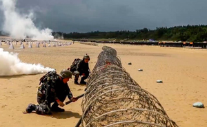 Trung Quốc điều động y tá quân đội tham gia kịch bản đổ bộ đảo