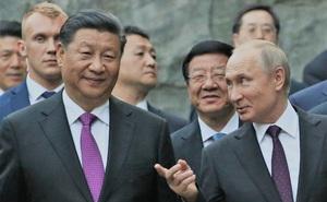 """Nga """"thủ sẵn dao"""" đề phòng Trung Quốc: Bạn nào cũng có thể tốt, nhưng Bắc Kinh thì né xa?"""