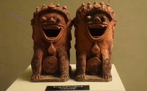"""Những cổ vật """"lạc loài"""" trong viện bảo tàng khiến bạn không thể nhịn cười"""