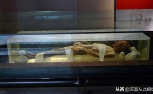 Bật nắp quan tài 2.000 tuổi: Xác ướp có hành động lạ như người sống khiến đội khảo cổ kinh hãi