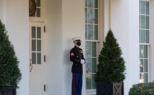 Lính gác Thủy quân Lục chiến mất tích tại Nhà Trắng gây xôn xao