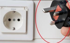 Trẻ con đánh đố: Tại sao các quốc gia khác nhau lại có các phích cắm/ổ cắm điện khác nhau?