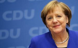 """Sự thật về """"tràng vỗ tay dài 6 phút chia tay bà Merkel"""" xôn xao MXH Việt"""