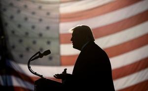 """Cựu điệp viên Nga: Cựu Tổng thống Trump là """"tài sản"""" của KGB trong 40 năm"""