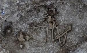 Bí ẩn thi hài 4.500 tuổi nằm trong chiếc nồi