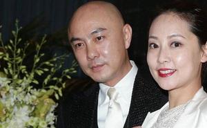 Trương Vệ Kiện vỡ oà gặp lại bà xã sau 515 ngày xa nhau, món quà 900 tỷ chỉ để vợ cảm thấy... an toàn mới gây choáng