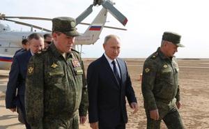 """Điệp viên Putin, """"đứa trẻ buồn tẻ cuối lớp học"""" có dám phát động một cuộc chiến tranh nữa?"""