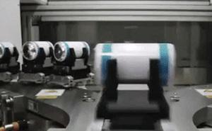 Video 1 phút cho thấy cách Tesla sản xuất pin dùng trên xe điện