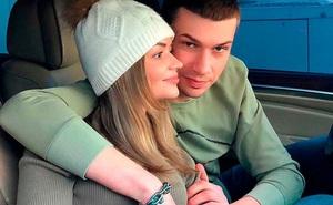 Thiếu nữ tự xích mình với bạn trai trong nhiều tuần liền và cái kết ai nhìn cũng thấy sợ