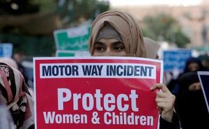 Pakistan tử hình 2 gã cưỡng hiếp người mẹ trước mặt 2 con