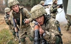 """""""Nỗi sợ"""" khiến hàng loạt binh sĩ Ukraine bất tuân mệnh lệnh tấn công ở Donbass?"""
