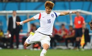 Ngôi sao bóng đá Hàn Quốc kiện ngược đòi 500.000 USD đàn em tố cáo quan hệ đồng tính