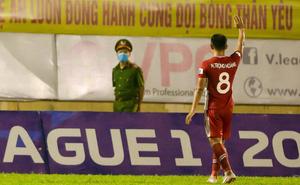 Cầu thủ Nghệ An ở Viettel nói lời yêu thương với đội bóng xứ Nghệ sau trận thắng trên sân Vinh