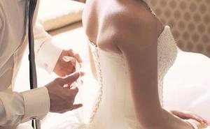 """Chàng trai chi """"núi tiền"""" cho mai mối để kết hôn, đêm tân hôn vợ lại đi lang thang vì lý do này"""