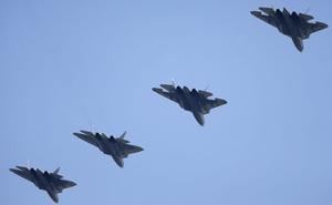 Chứng kiến tiêm kích tàng hình Su-57 của Nga phát ra tiếng rít kinh hoàng khi bay