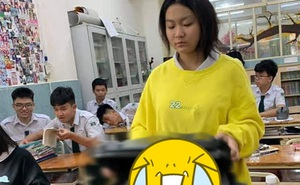 Nữ sinh làm hành động có 1-0-2 khi quên sách vở, cô giáo nhìn vào chỉ biết bất lực trách 'Hờn!' học sinh